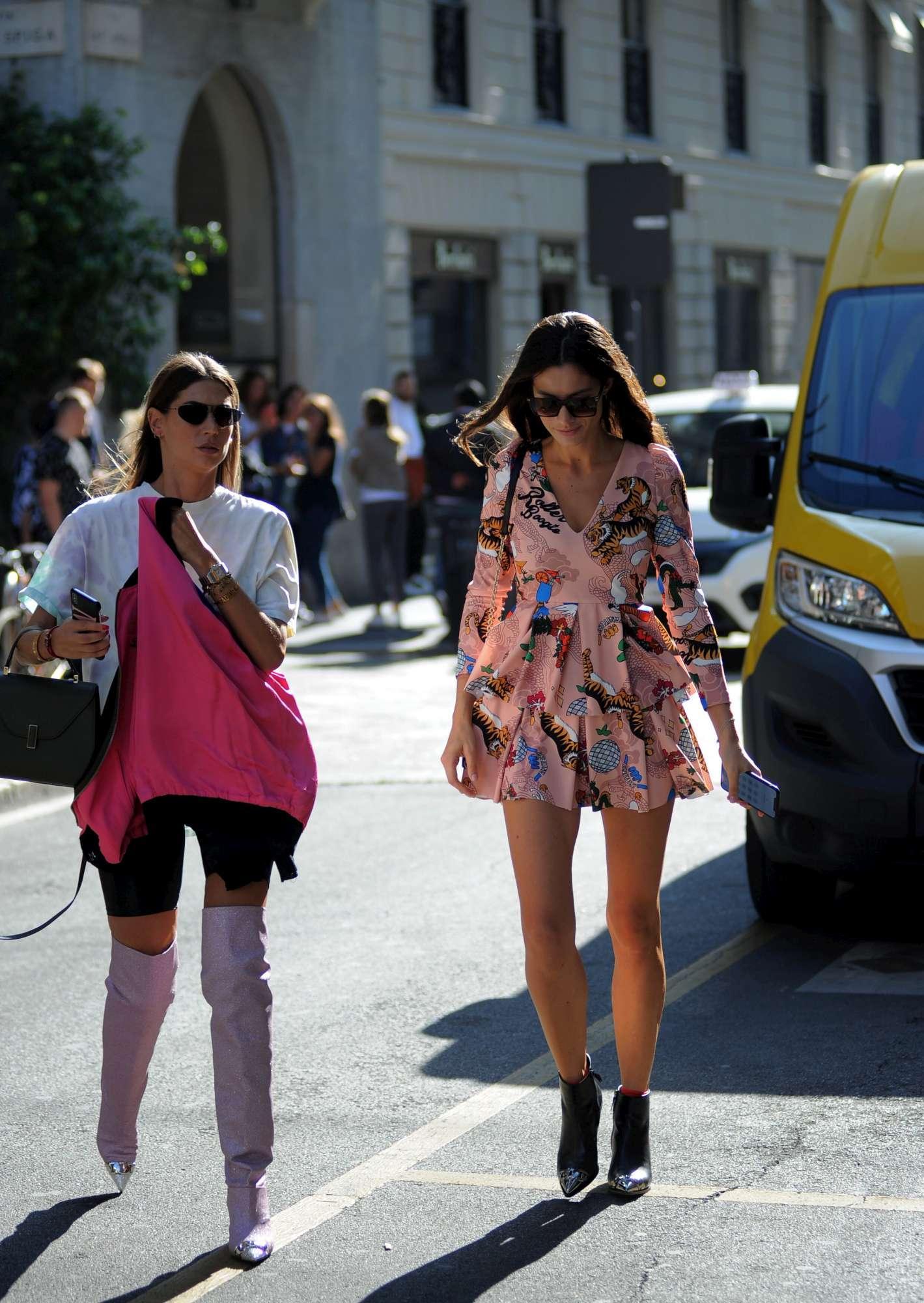 """Pellegrinelli e Satta, amiche """"preziose"""" tra shopping e sfilate"""