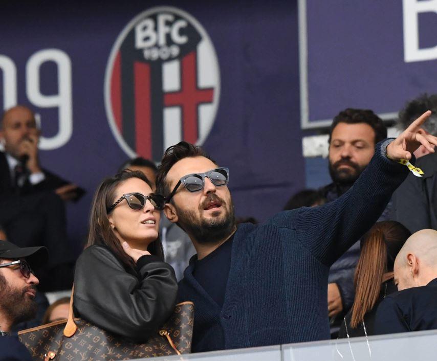 Cesare Cremonini esce allo scoperto con la nuova fidanzata Martina