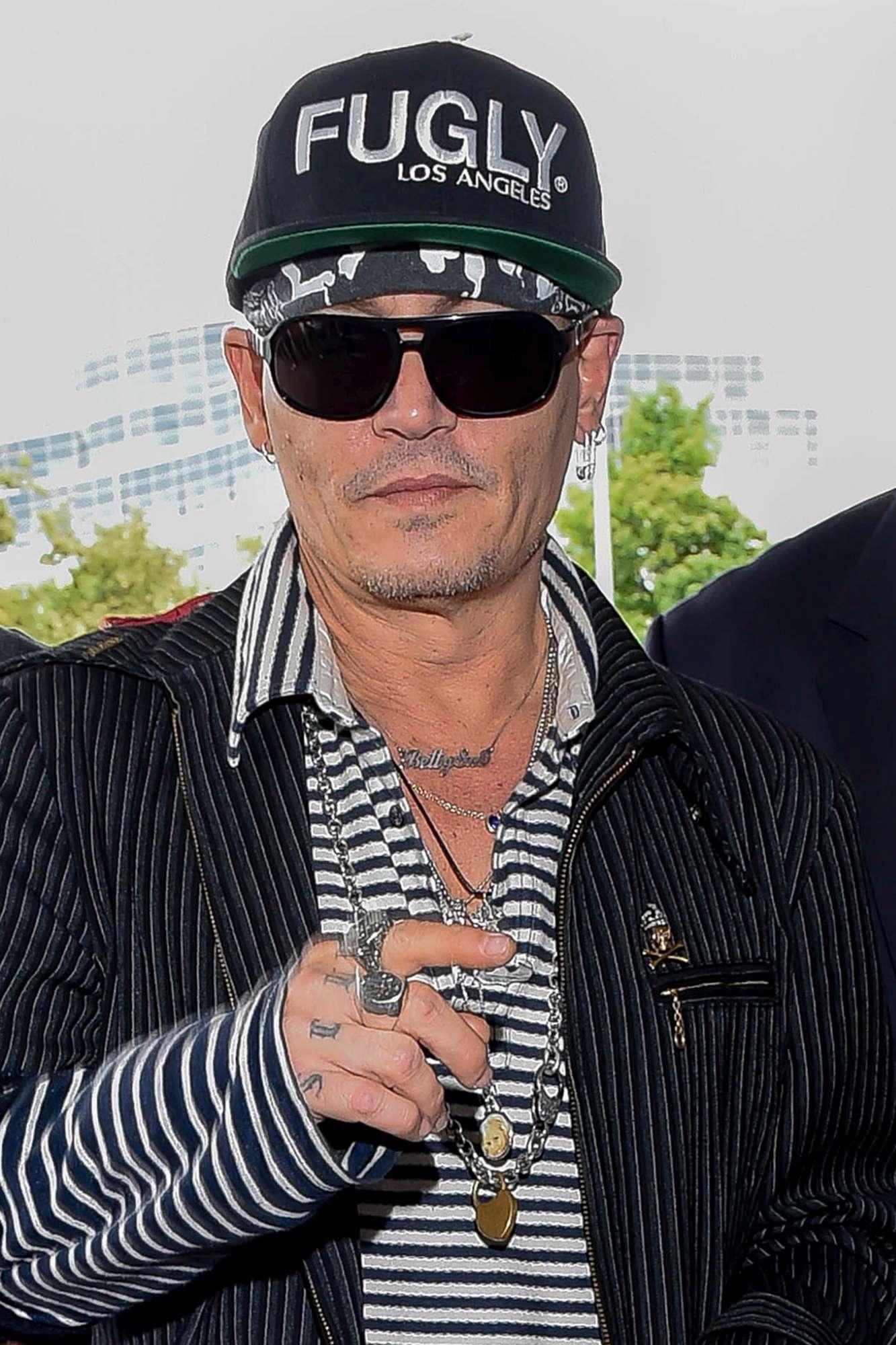 Johnny Depp, guarda le trasformazioni del Pirata