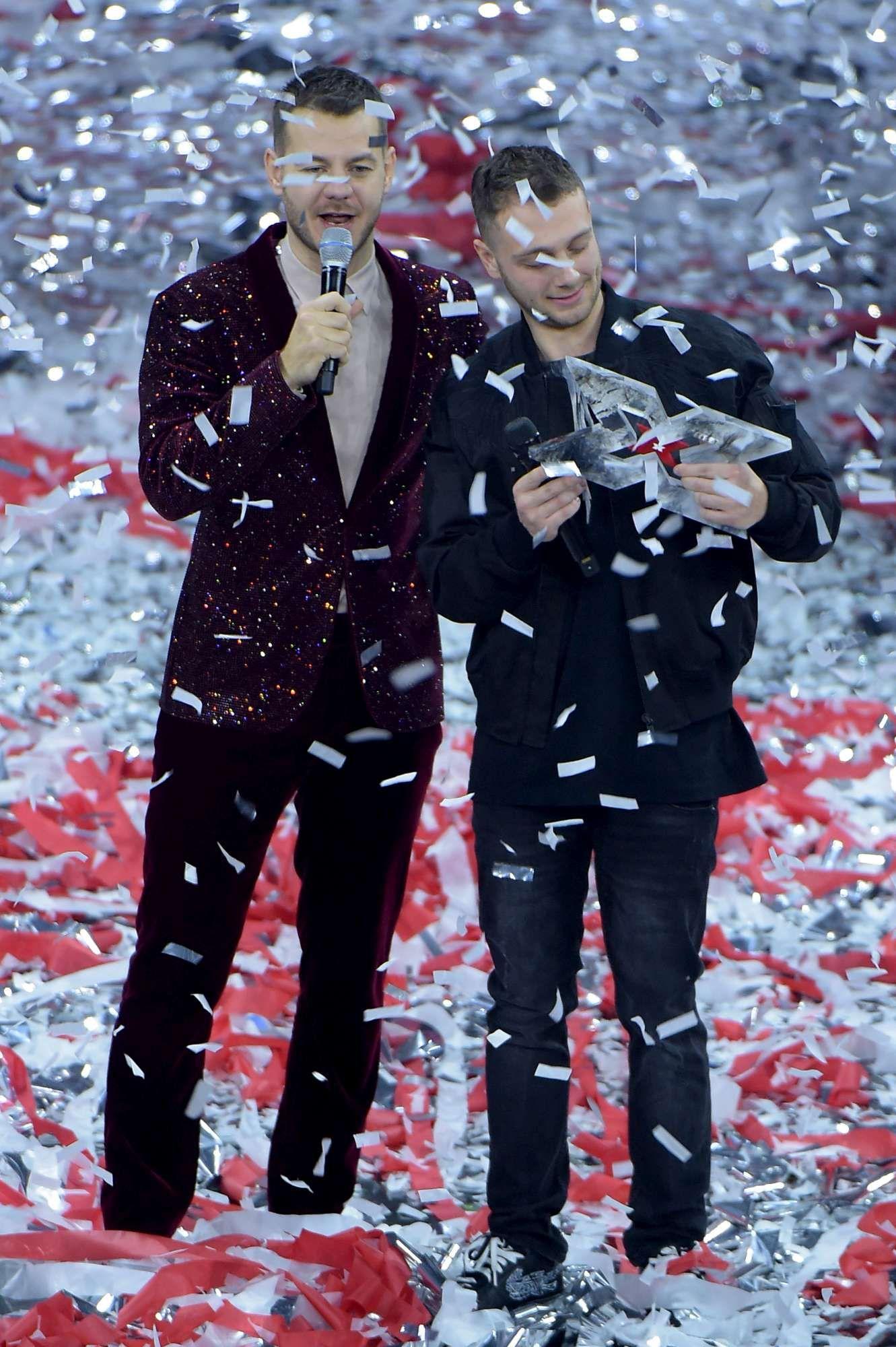 X Factor , vince Anastasio: guarda le immagini della finale