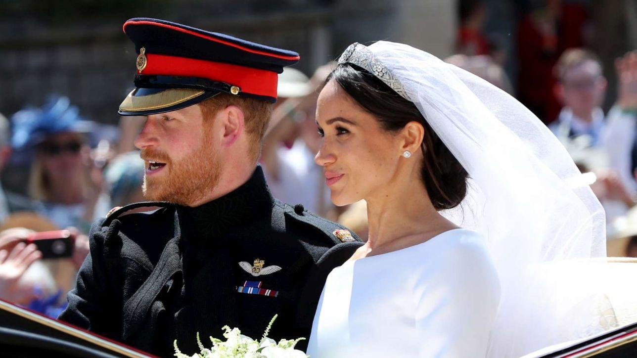 Harry-Meghan, guarda il giro in carrozza degli sposi