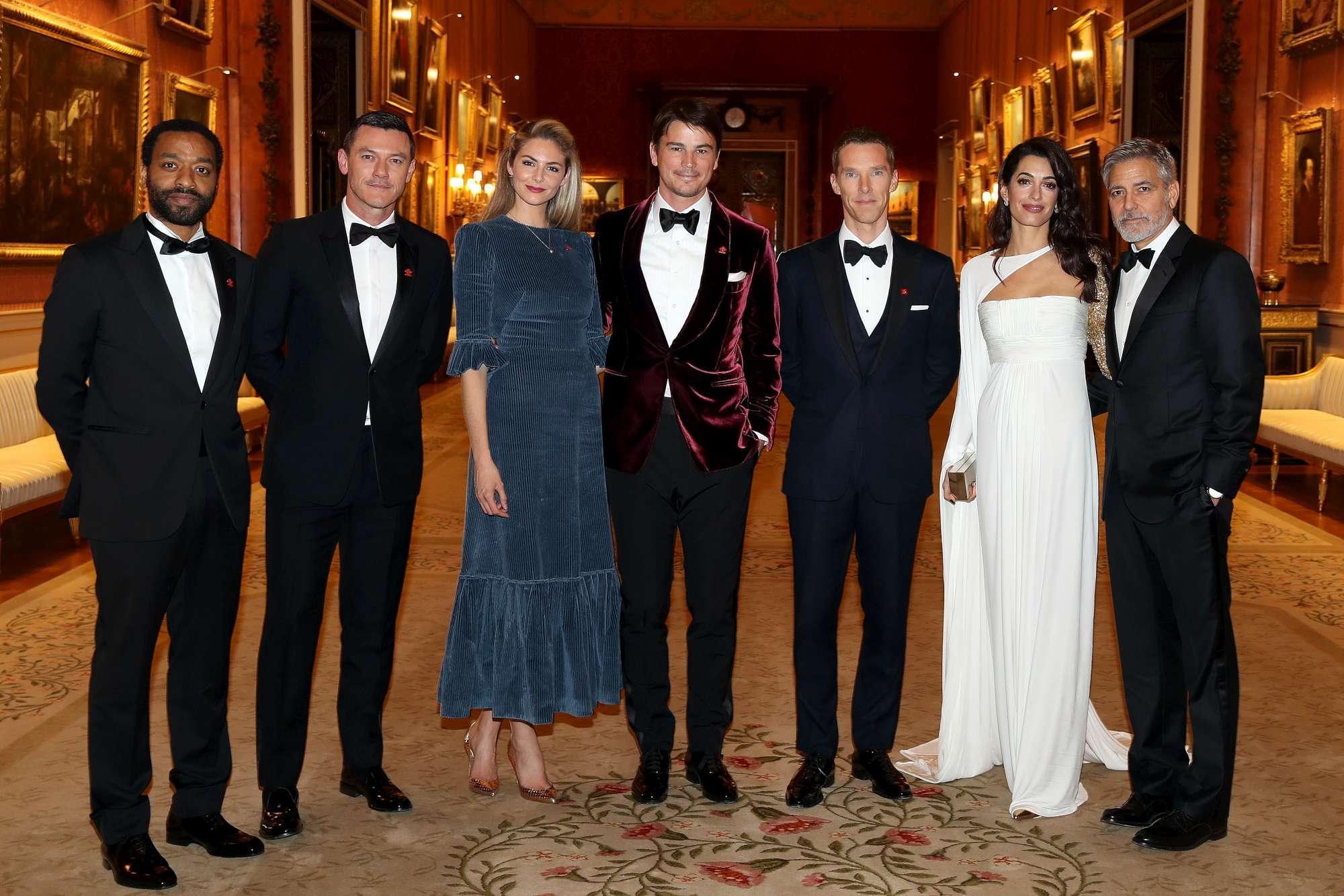 George Clooney e Amal, coppia reale alla corte del principe Carlo