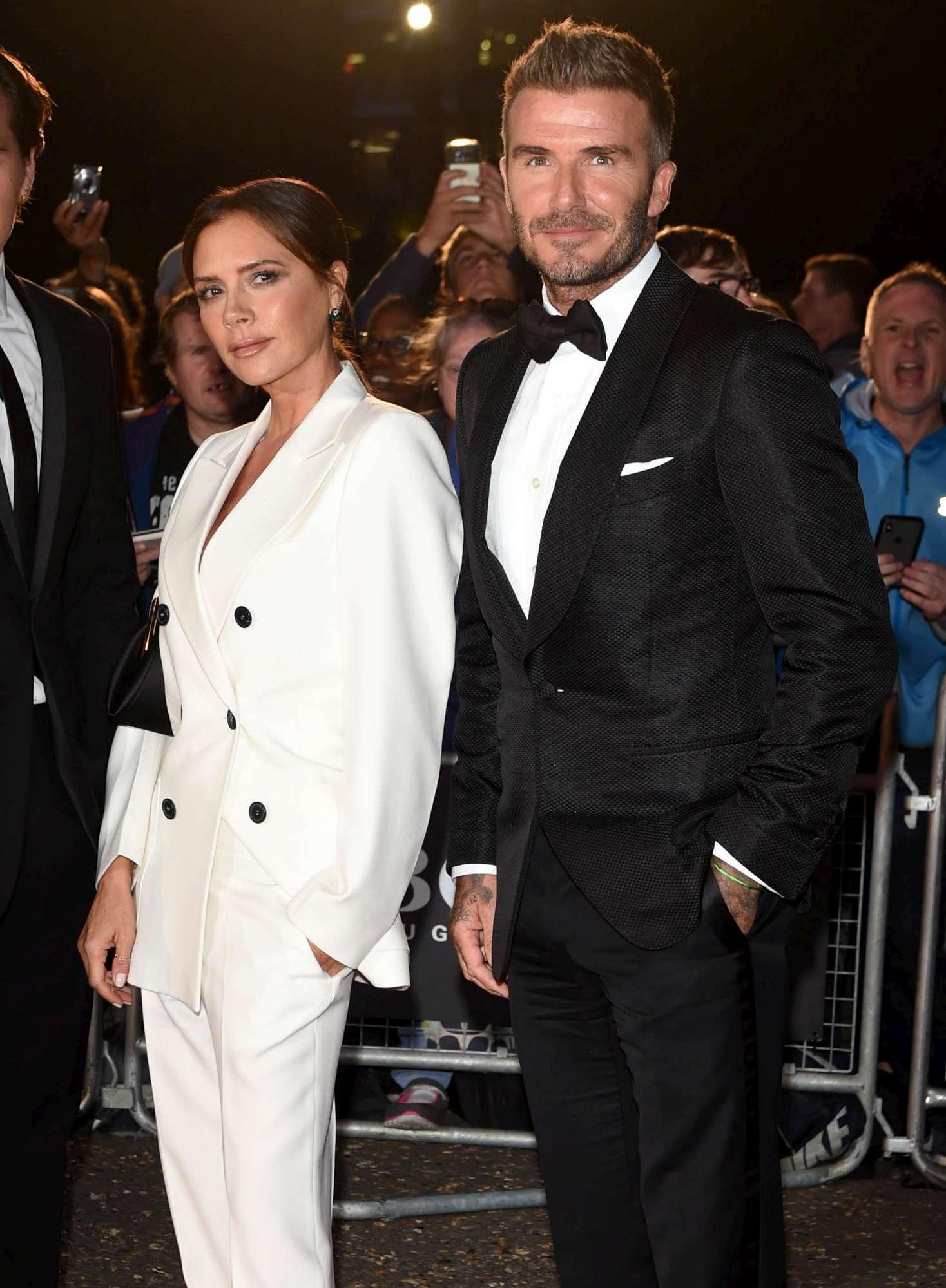 GQ Awards, David Beckham con Victoria star della serata