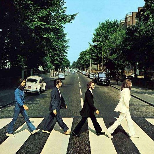 Beatles: 50 anni fa la foto della mitica copertina di Abbey Road