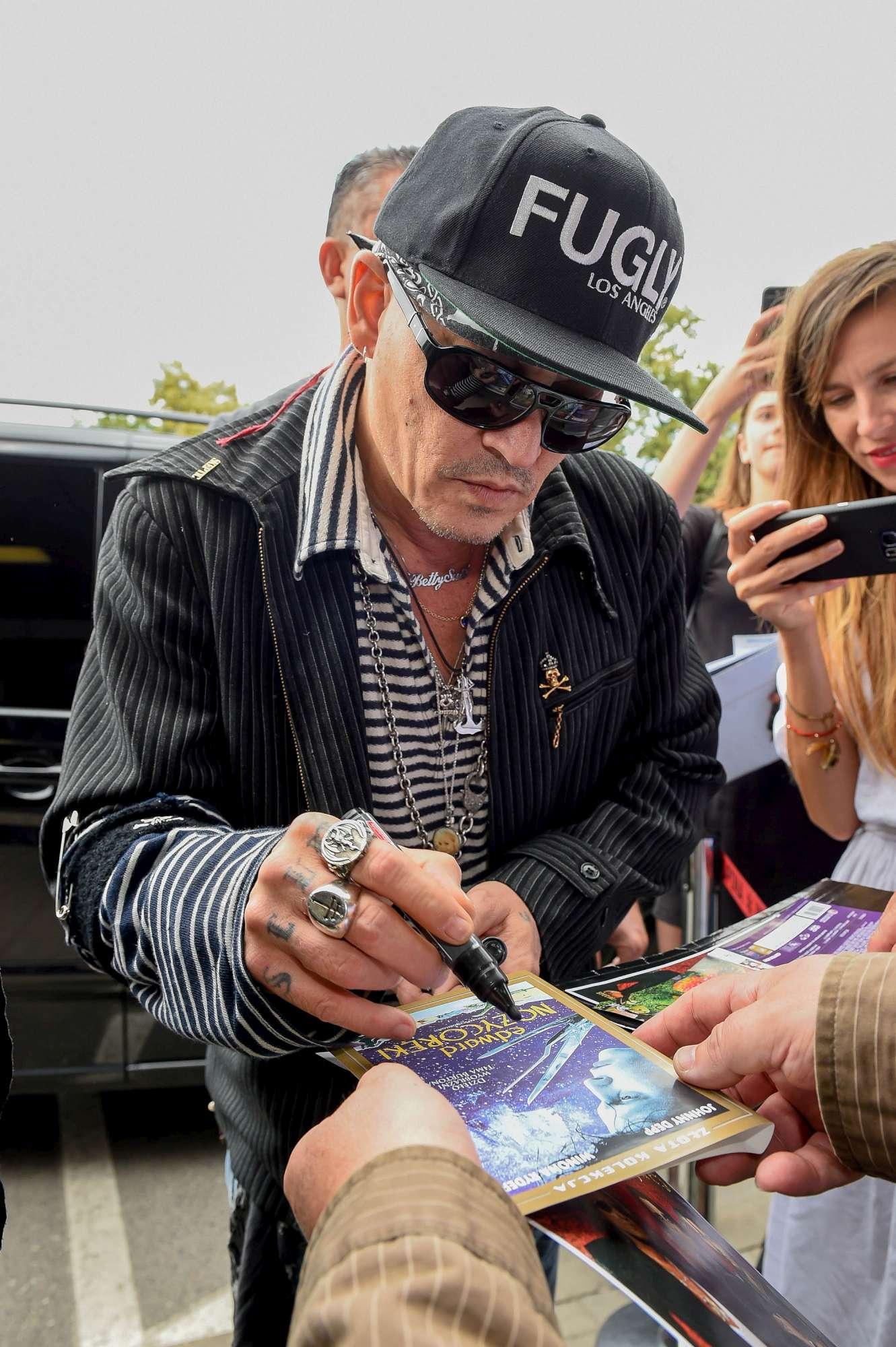 Johnny Depp 27169f1c2900
