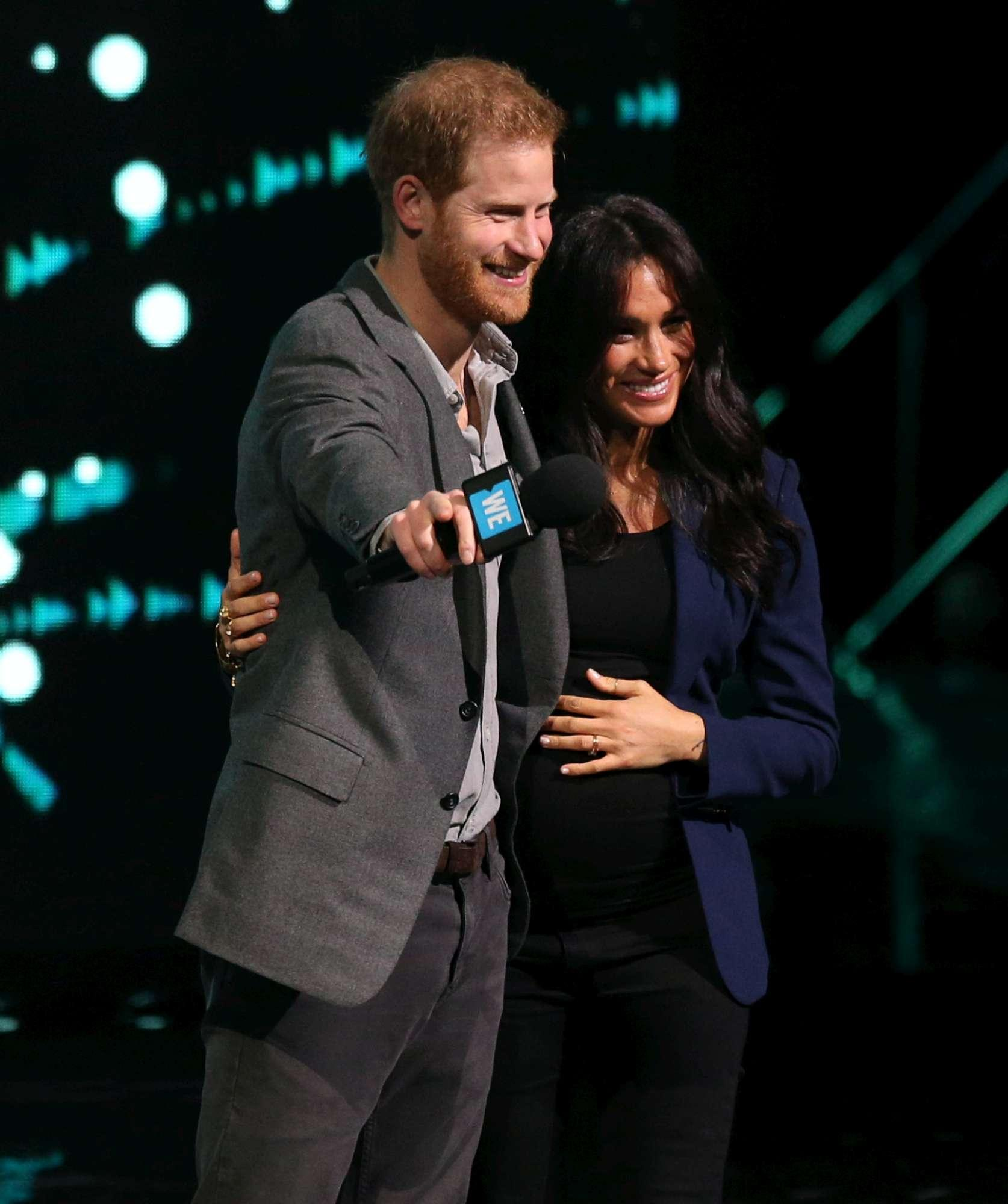 Meghan Markle, apparizione a sorpresa sul palco con Harry