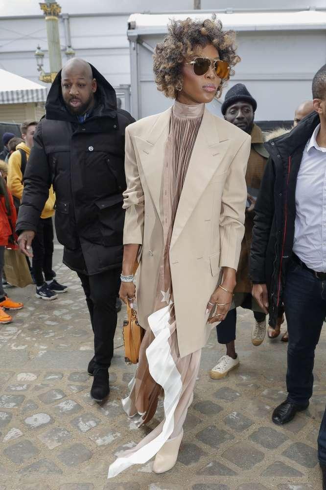 Naomi Campbell, coi ricci è... irriconoscibile