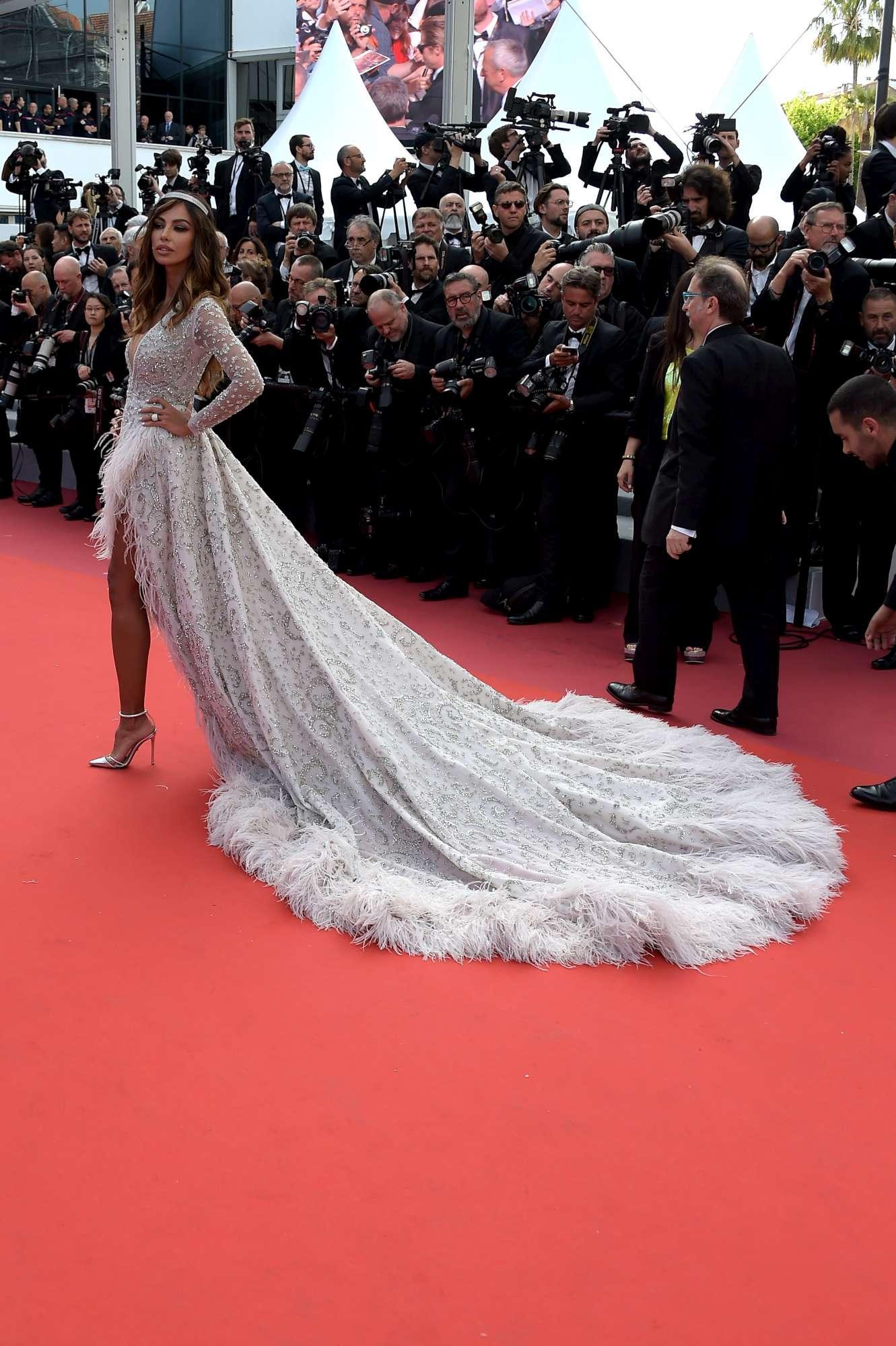 Madalina Ghenea, regina hot con l abito di cristalli