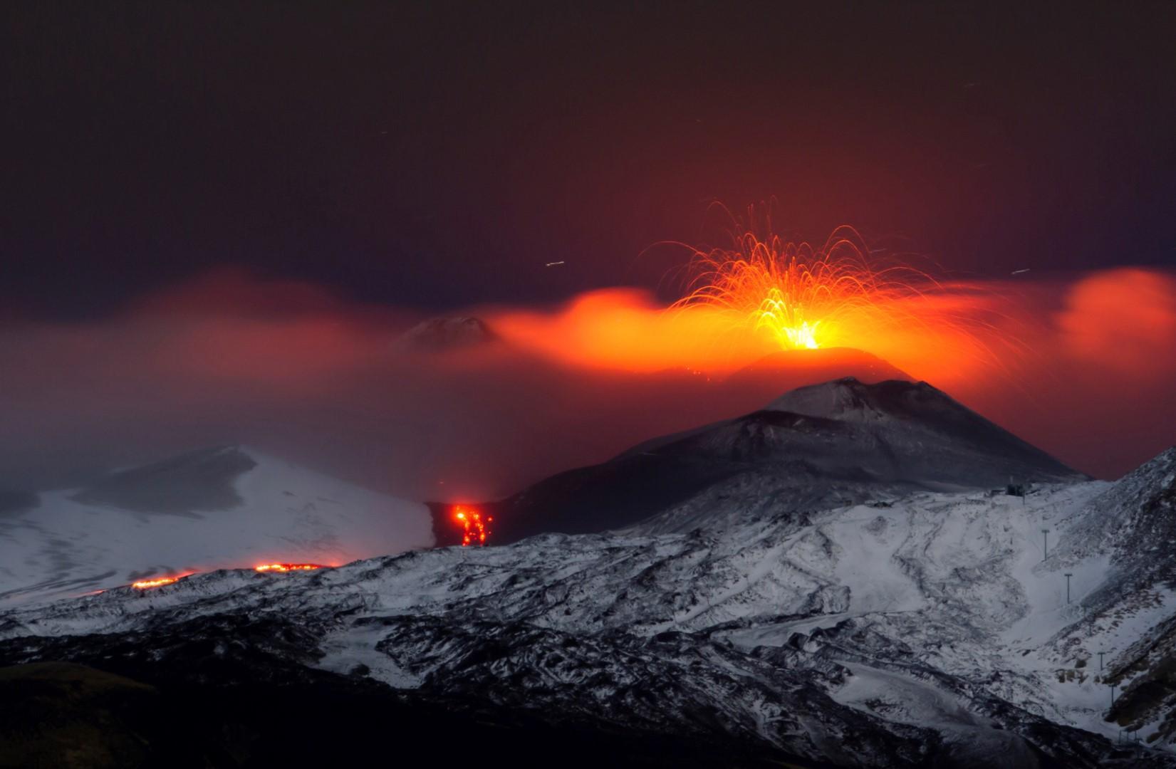 Vulcani: spettacolari montagne di fuoco