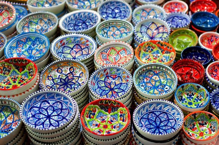 Tendenze: porta in tavola lestate con i piatti in ceramica tgcom24