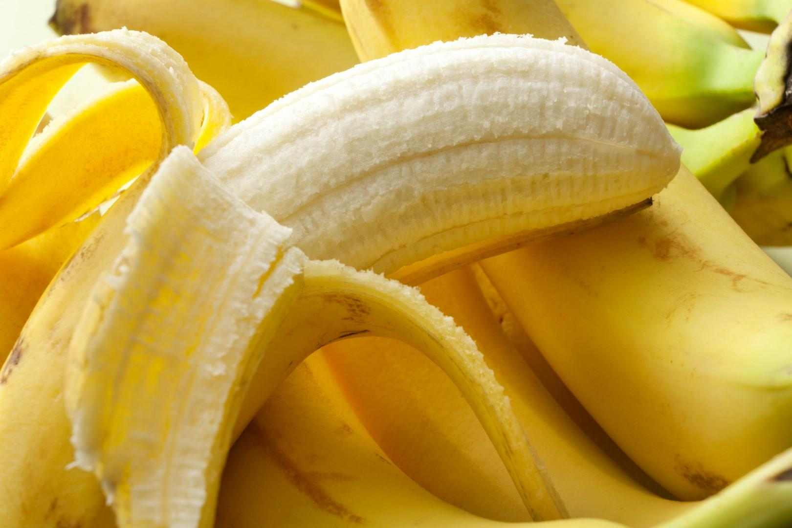 Banana: preziosa dalla polpa alla buccia