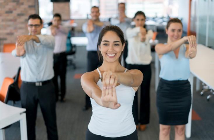 Dieci buoni motivi per praticare yoga in azienda