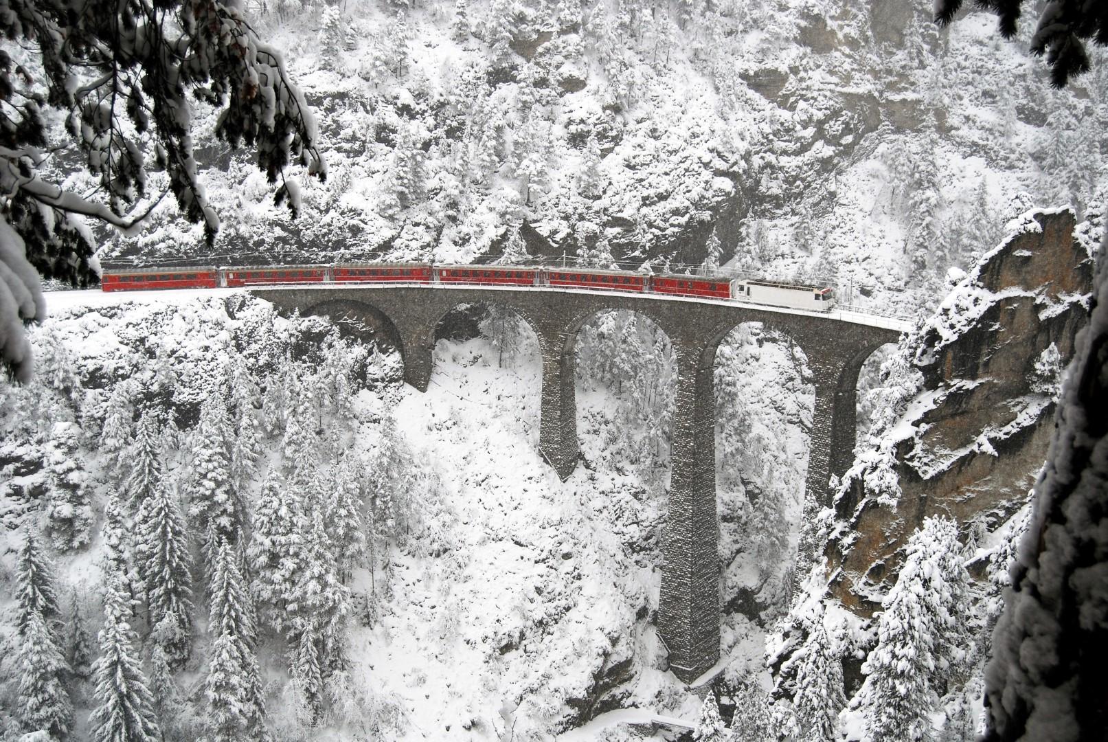 Viaggi in treno  le ferrovie più scenografiche del mondo - Tgcom24 1d00f341db