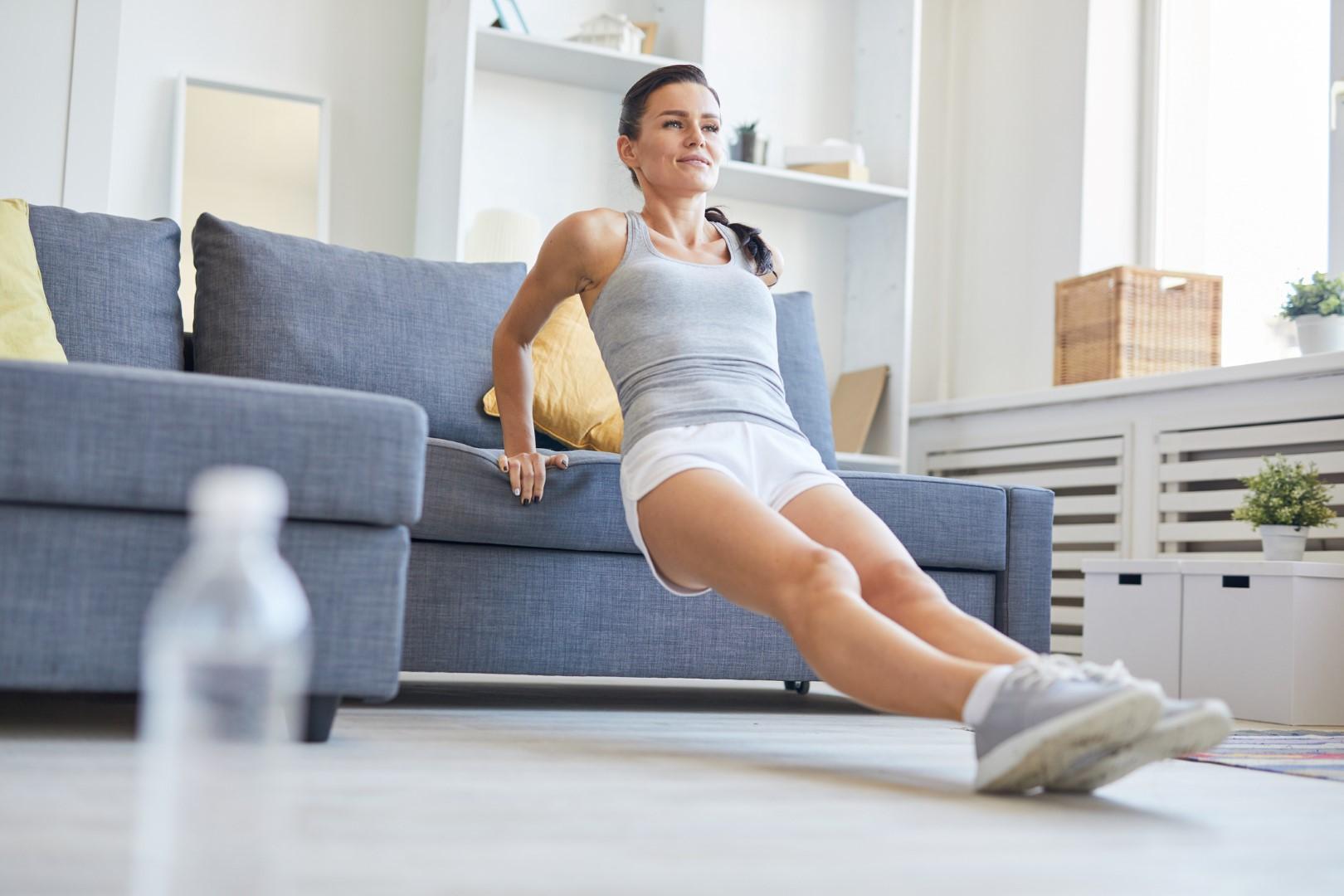 Fitness da divano: gli esercizi