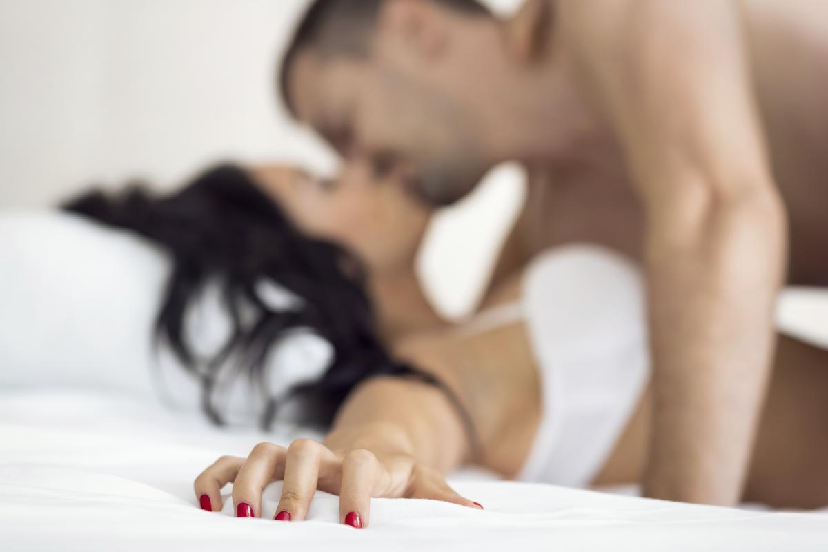 Gioca, parla, abbraccia e... le regole d oro per il sesso felice