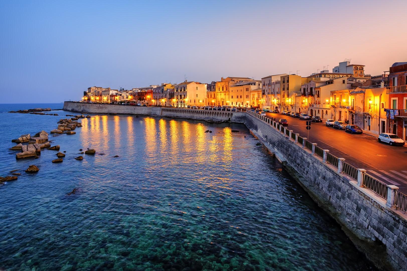 Spiagge e templi: primavera nella Sicilia più lontana