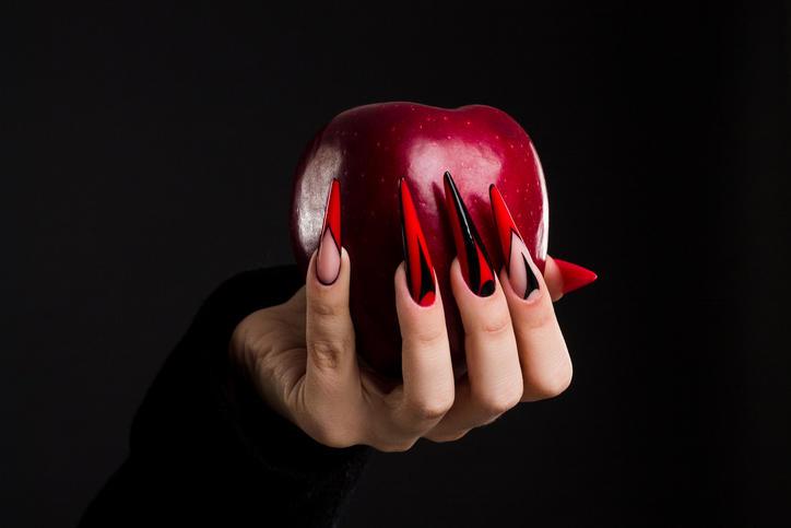 Halloween sulle unghie: ecco come festeggiare in punta di dita