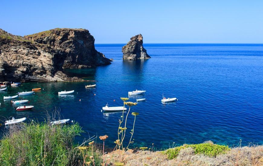 Pantelleria, un eden nel cuore del Mediterraneo