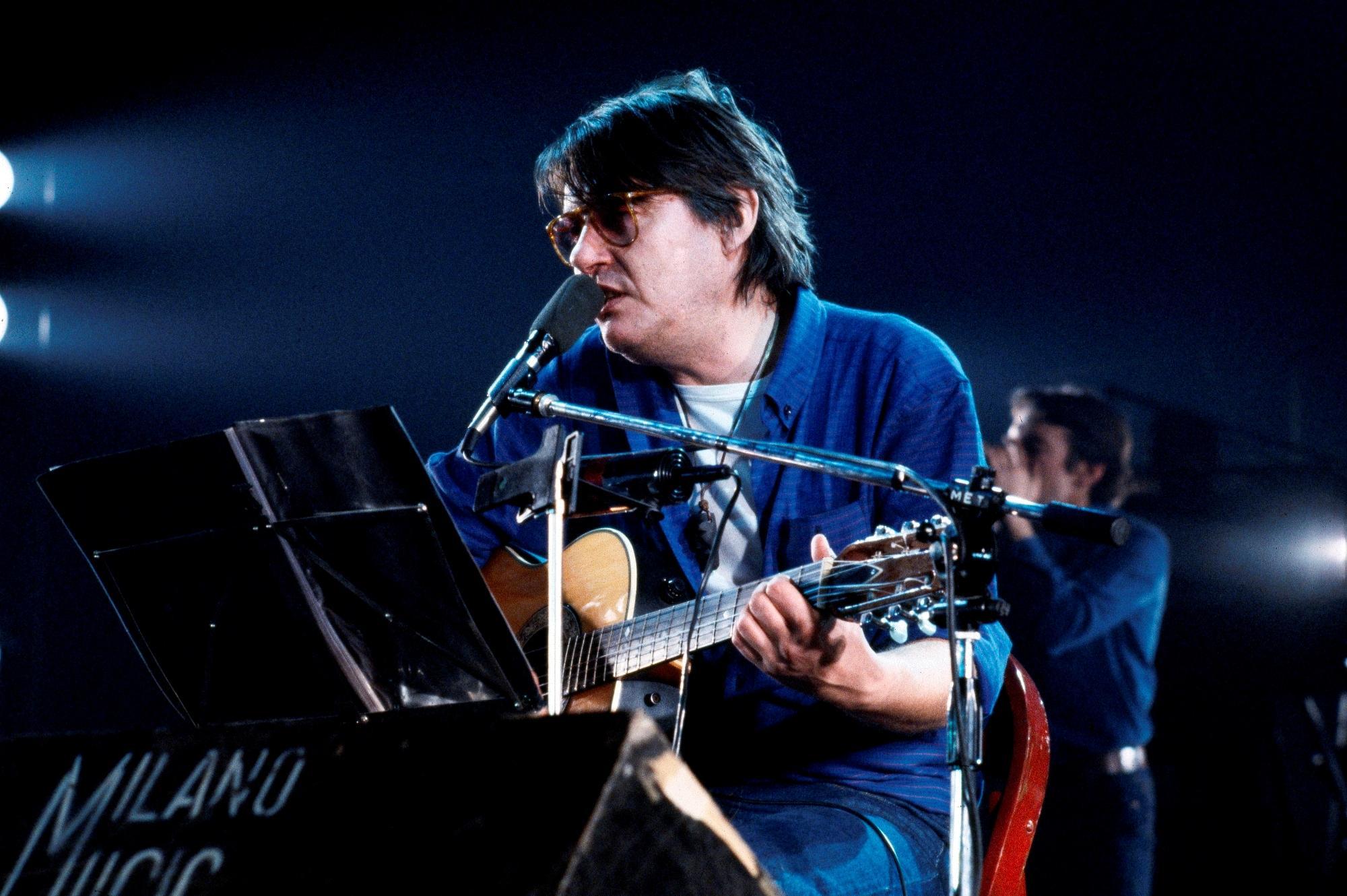 20 anni fa moriva Fabrizio De André: le sue foto