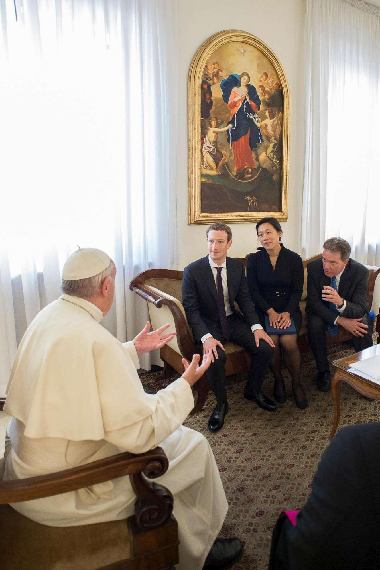 Il numero uno di Facebook a Roma: l incontro con il Papa e con Renzi