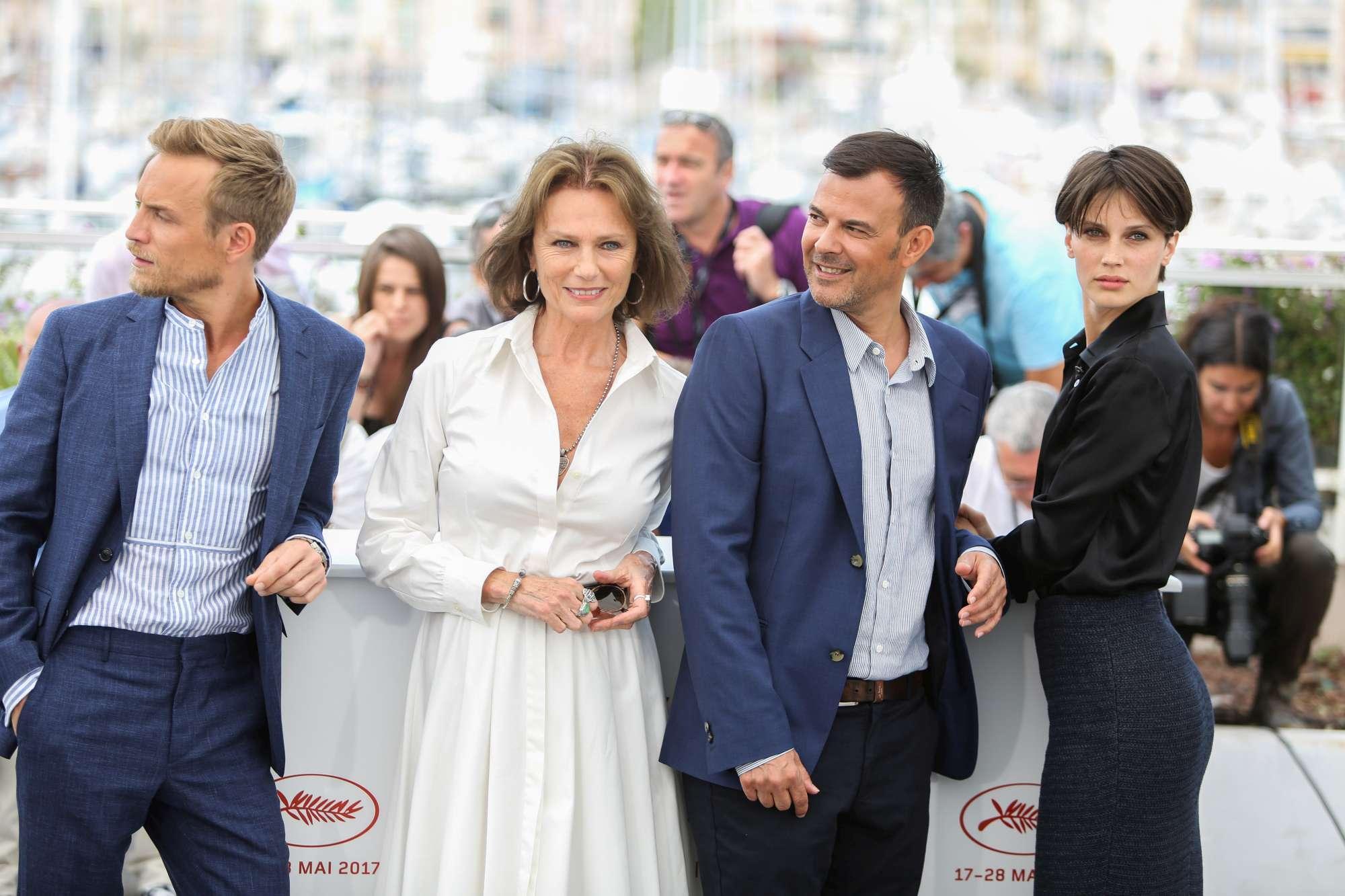 Sul red carpet il cast de  L Amant Double , il film più bollente sulla Croisette