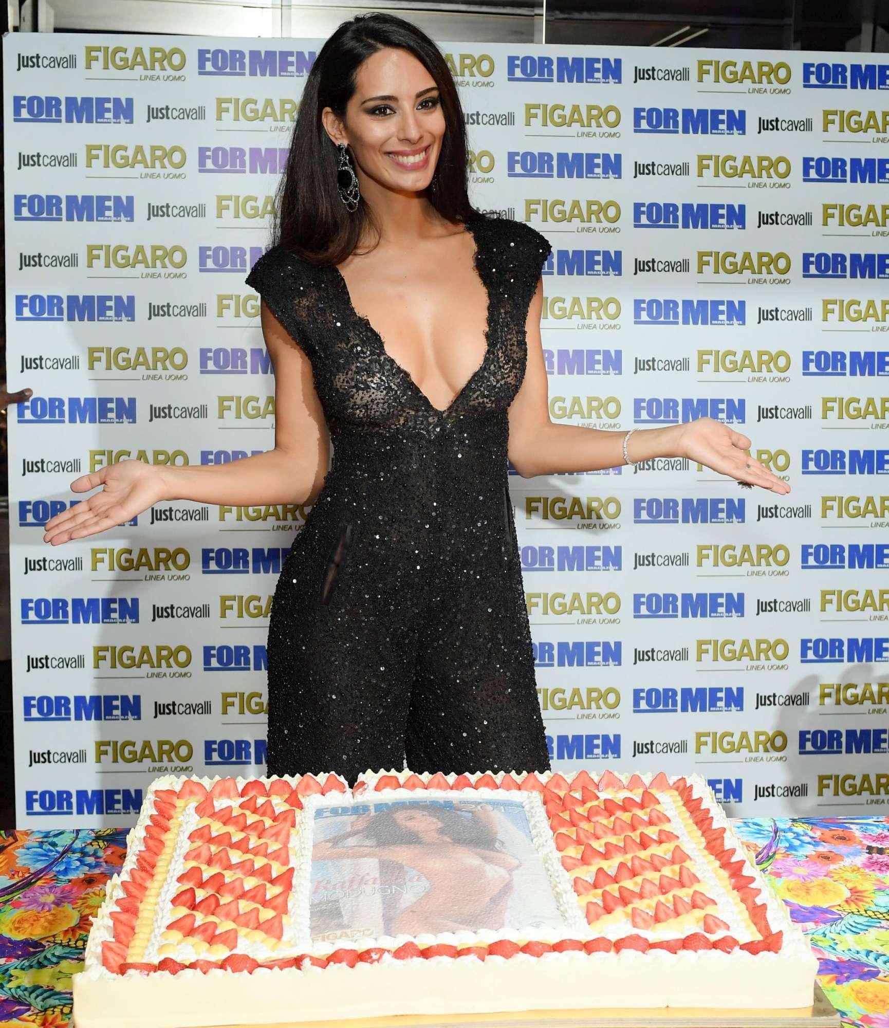 Raffaella Modugno Calendario 17.Raffaella Modugno Presenta Il Calendario Ho Il Vizio Di