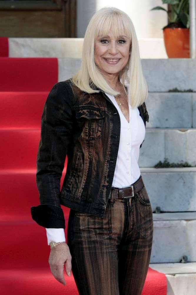 Raffaella Carrà, compleanno importante per la signora della tv