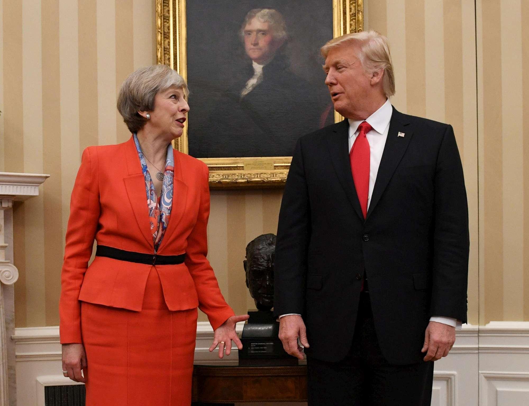 Trump riceve alla Casa Bianca il primo ministro inglese Theresa May