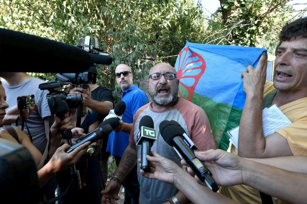 Nomadi, problemi sanitari: sgombero in campo Roma