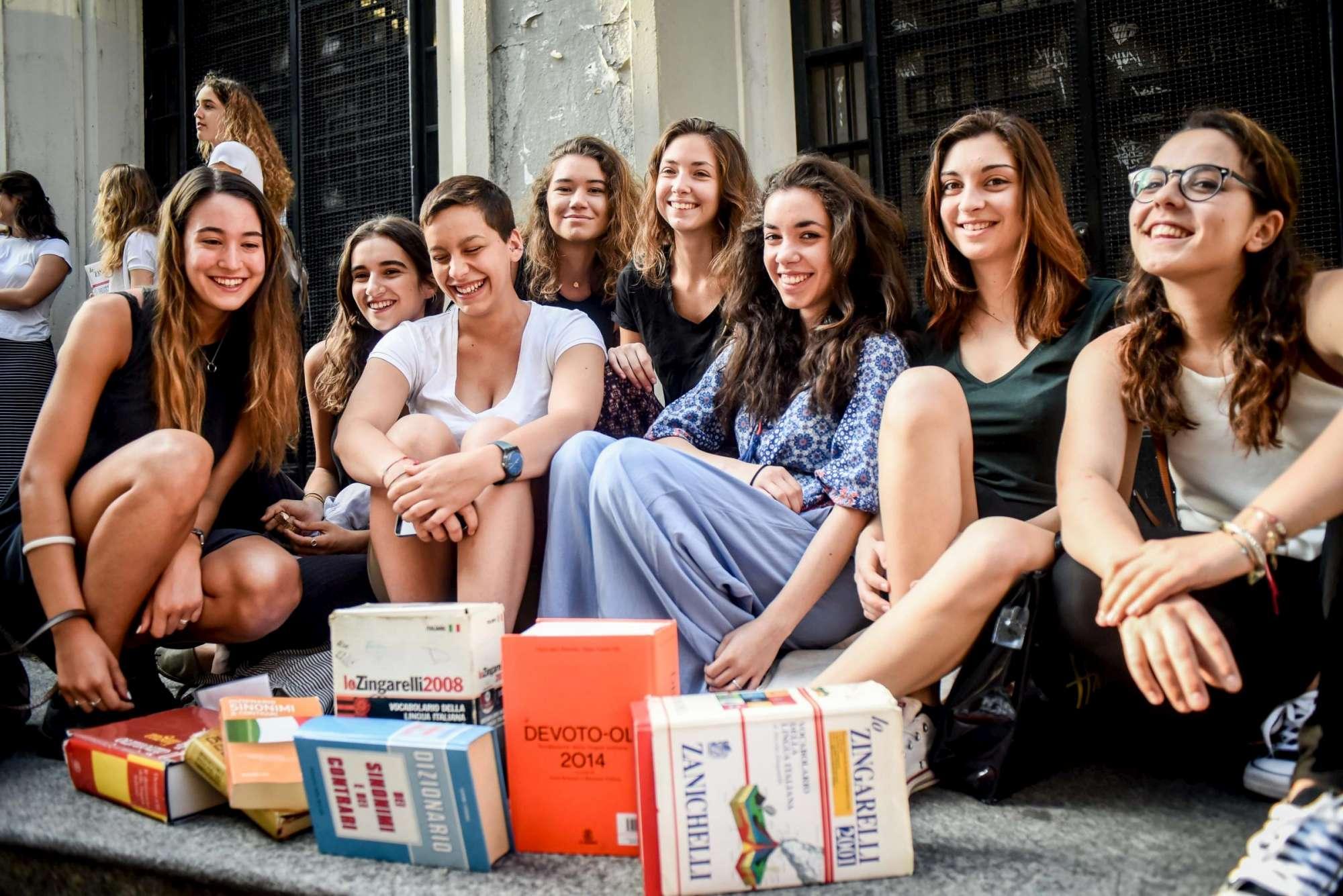 Milano, studenti affrontano la maturità al Liceo Parini