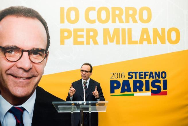 Milano, parte la corsa (in giallo) del candidato del centrodestra Stefano Parisi