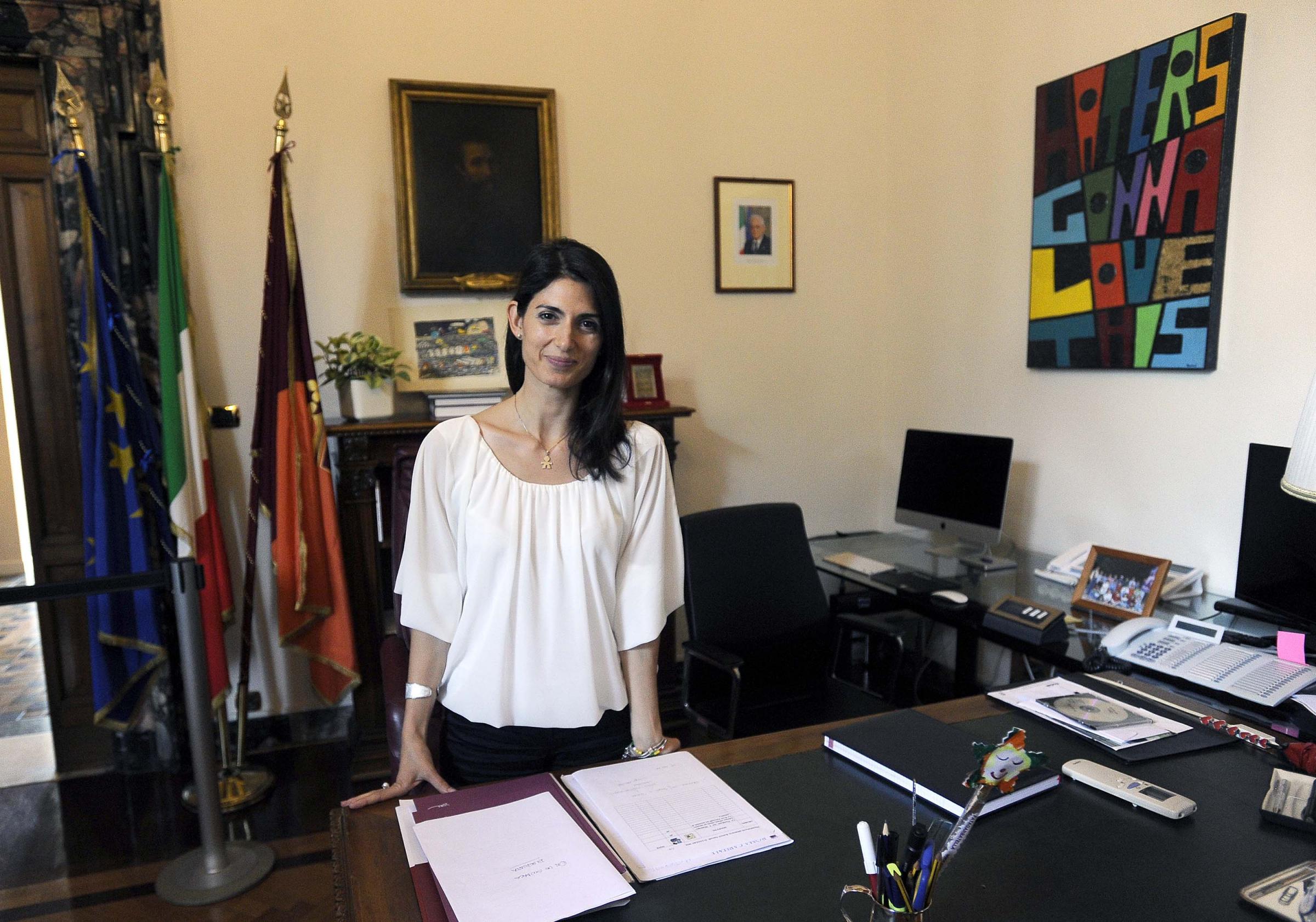 Virginia Raggi apre il Campidoglio e fa da Cicerone