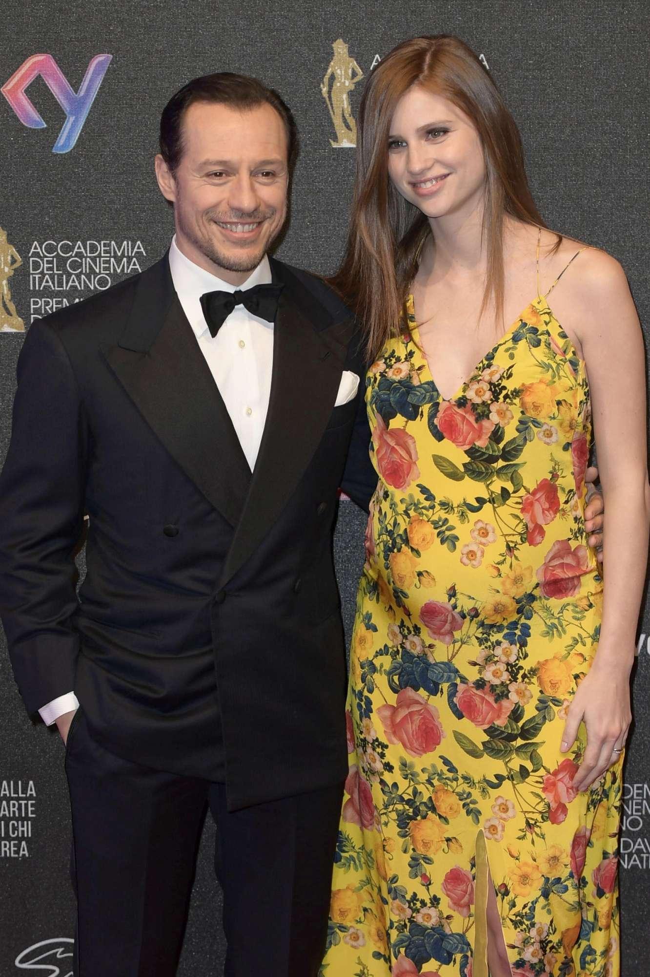 Stefano Accorsi sul red carpet con Bianca Vitali