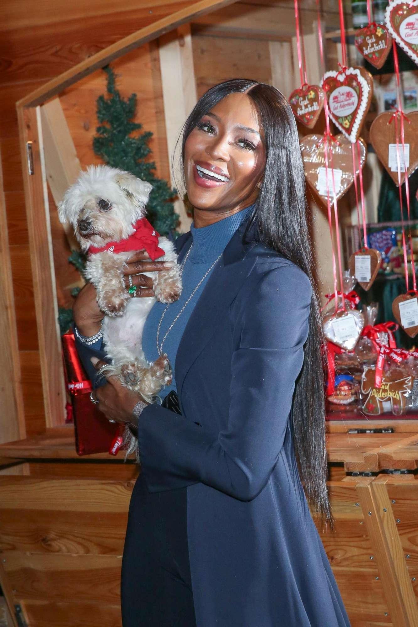 Naomi, Kate Moss e le belle ai mercatini di Natale