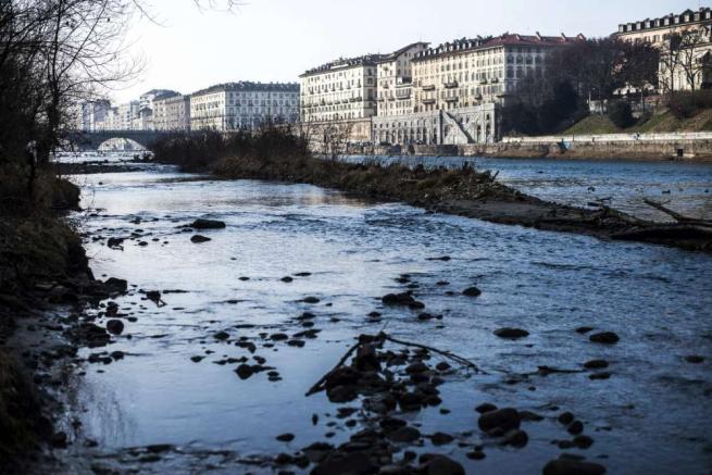 Italia in ginocchio per la siccità. Allarme per laghi, fiumi e montagne