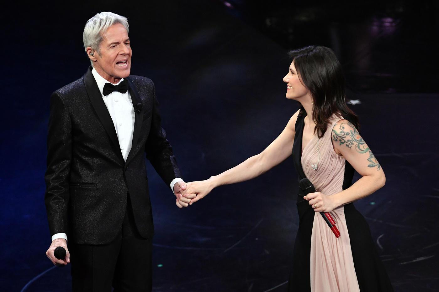Sanremo, Elisa da brividi canta Tenco con Baglioni