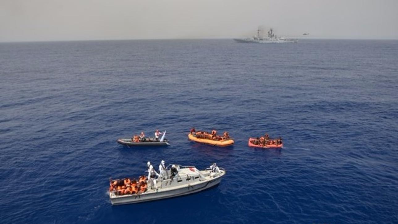 Nuovo naufragio nel Canale di Sicilia: i soccorsi della Marina militare