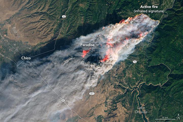 La California assediata dai roghi: le fiamme viste dallo spazio