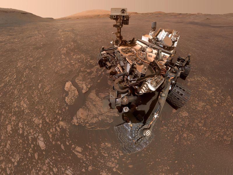 Curiosity manda le immagini delle nuvole che avvolgono Marte