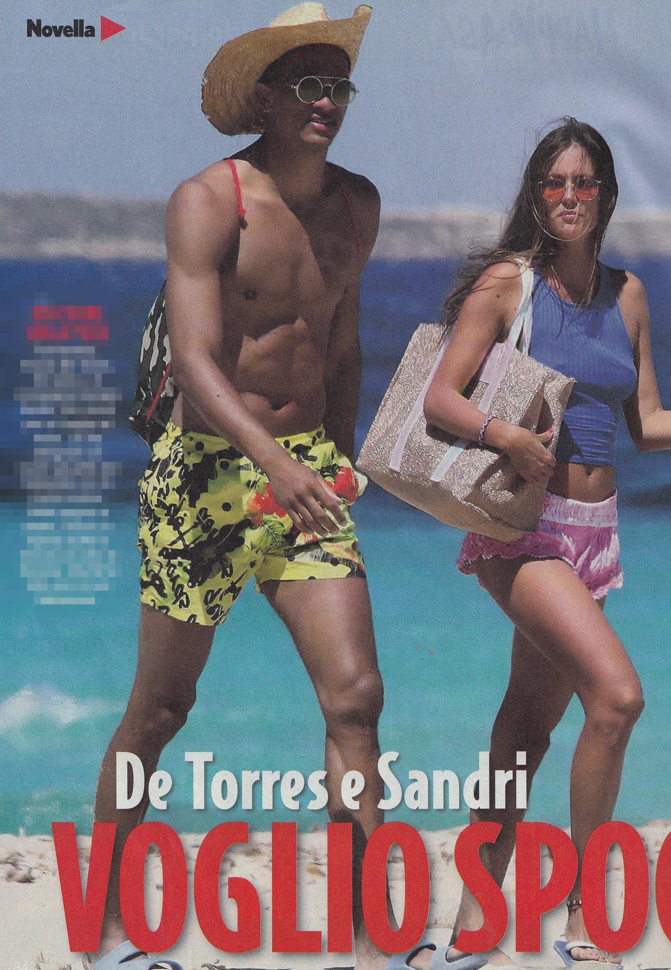 Gracia De Torres, topless e acrobazie con il fidanzato