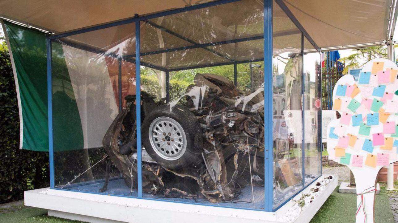 Strage di Capaci, l'auto della scorta di Falcone arriva a Palermo
