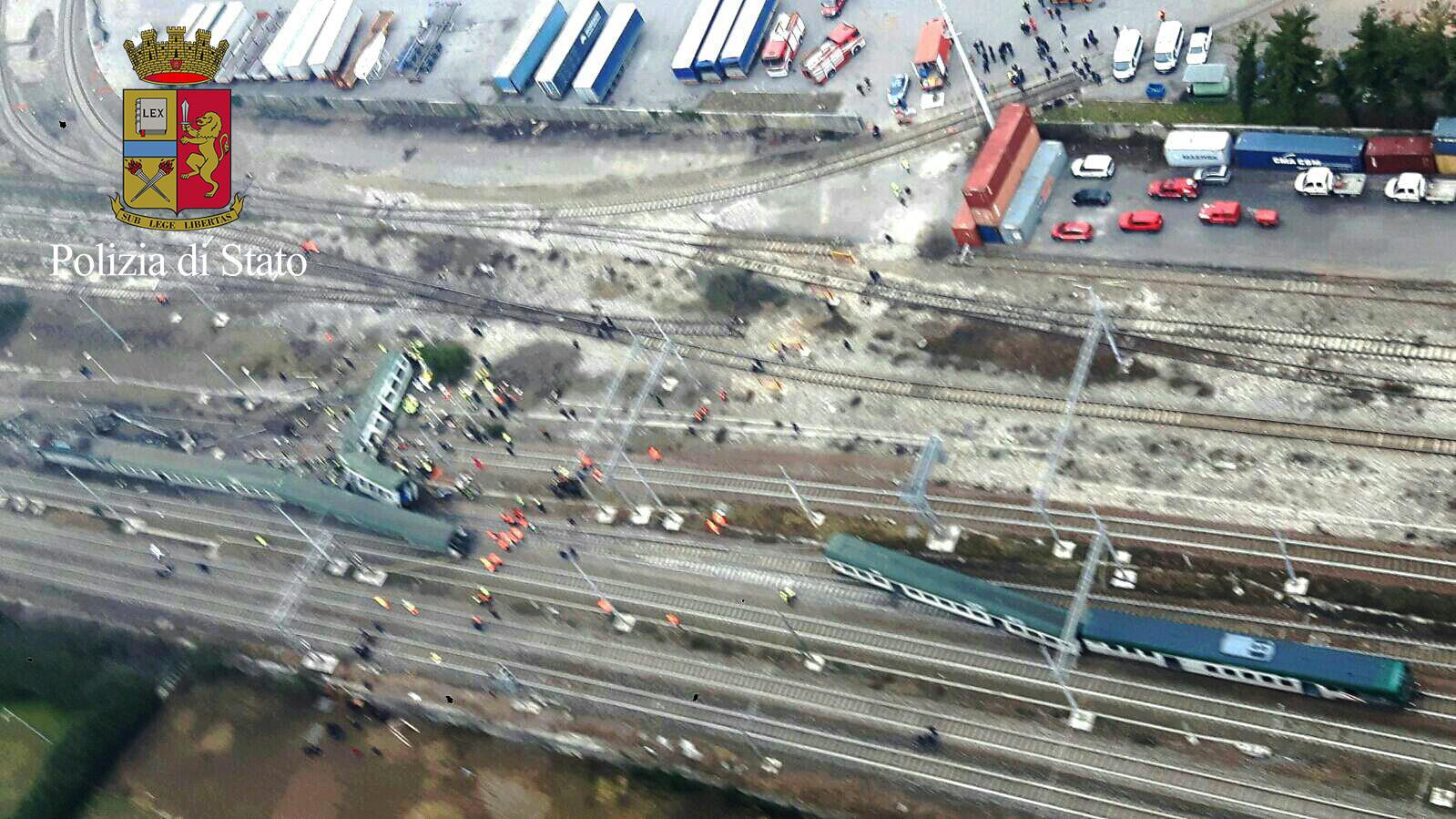 Treno deragliato, le immagini dall alto