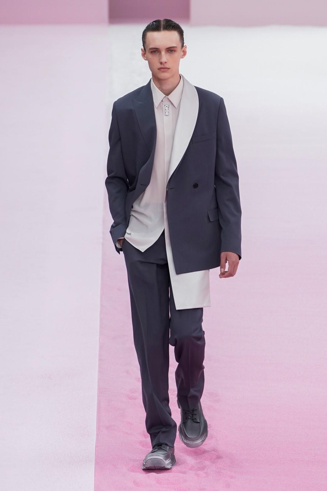 Dior, Vuitton, Hermès e Co: l'estate dell'uomo libero e consapevole