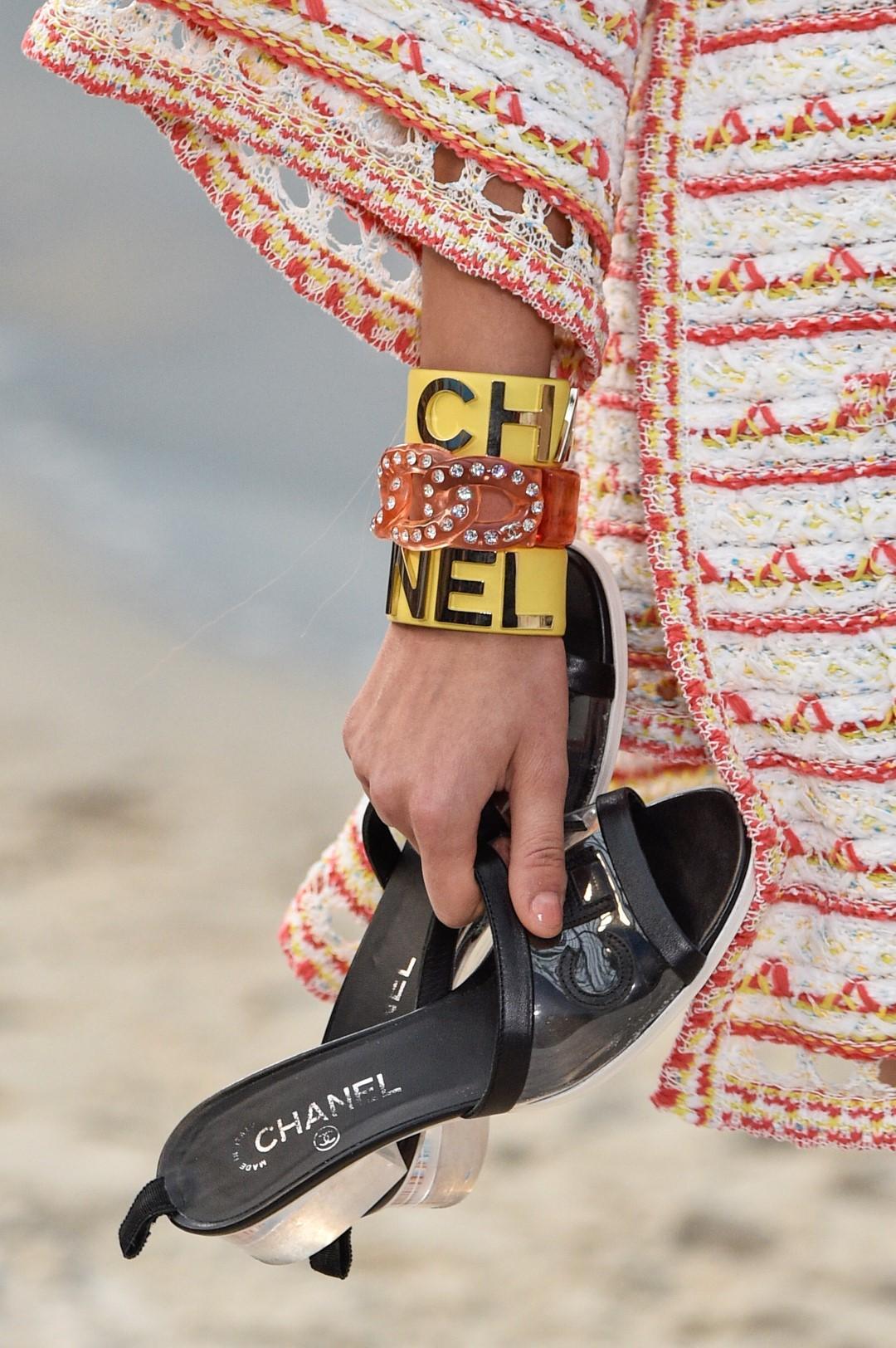 Moda donna, piccola guida ai sandali dell'estate