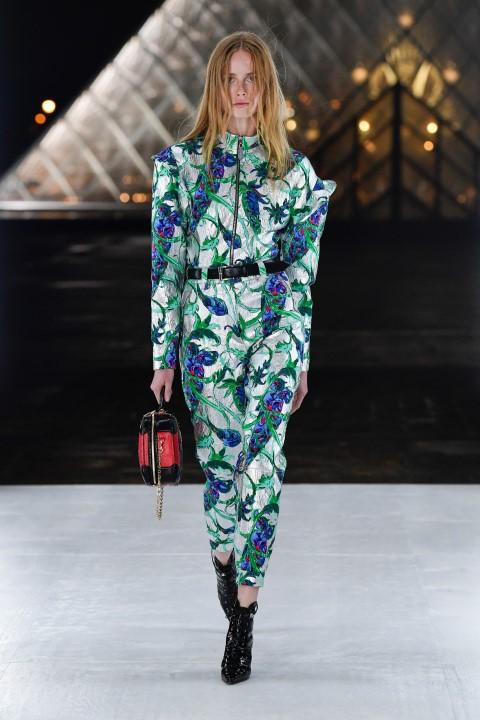 Louis Vuitton, fiori in passerella