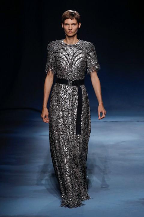 Moda: Givenchy, una collezione scintillante
