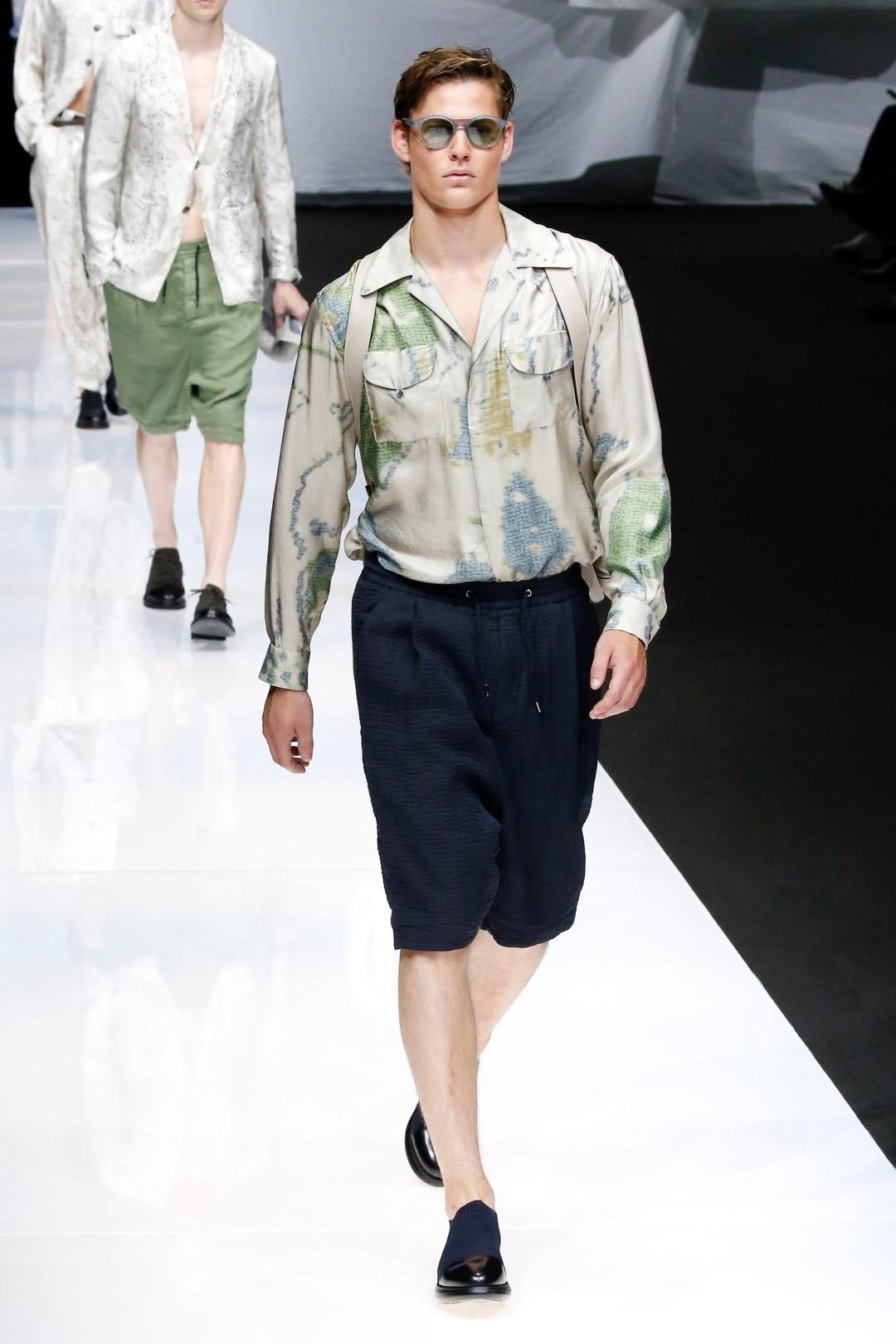 Moda maschile, come una camicia vi risolve sempre il problema