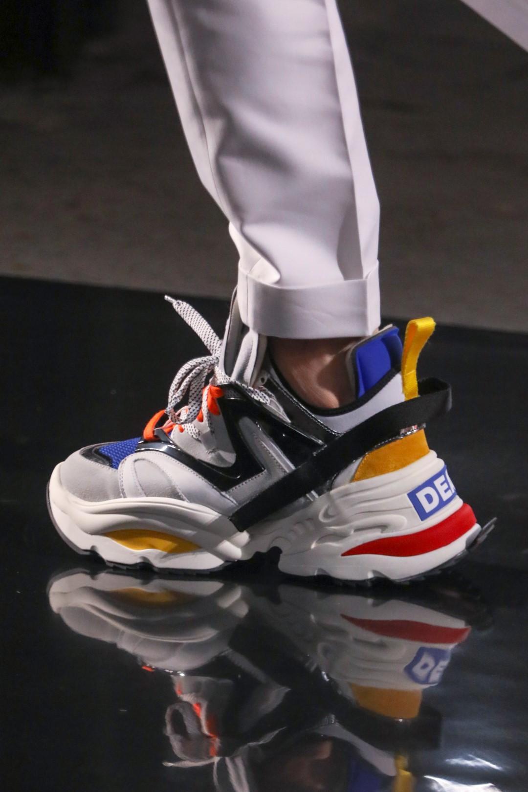 Moda uomo: 'chunky' sneakers o 'dad shoes'? I modelli più desiderati