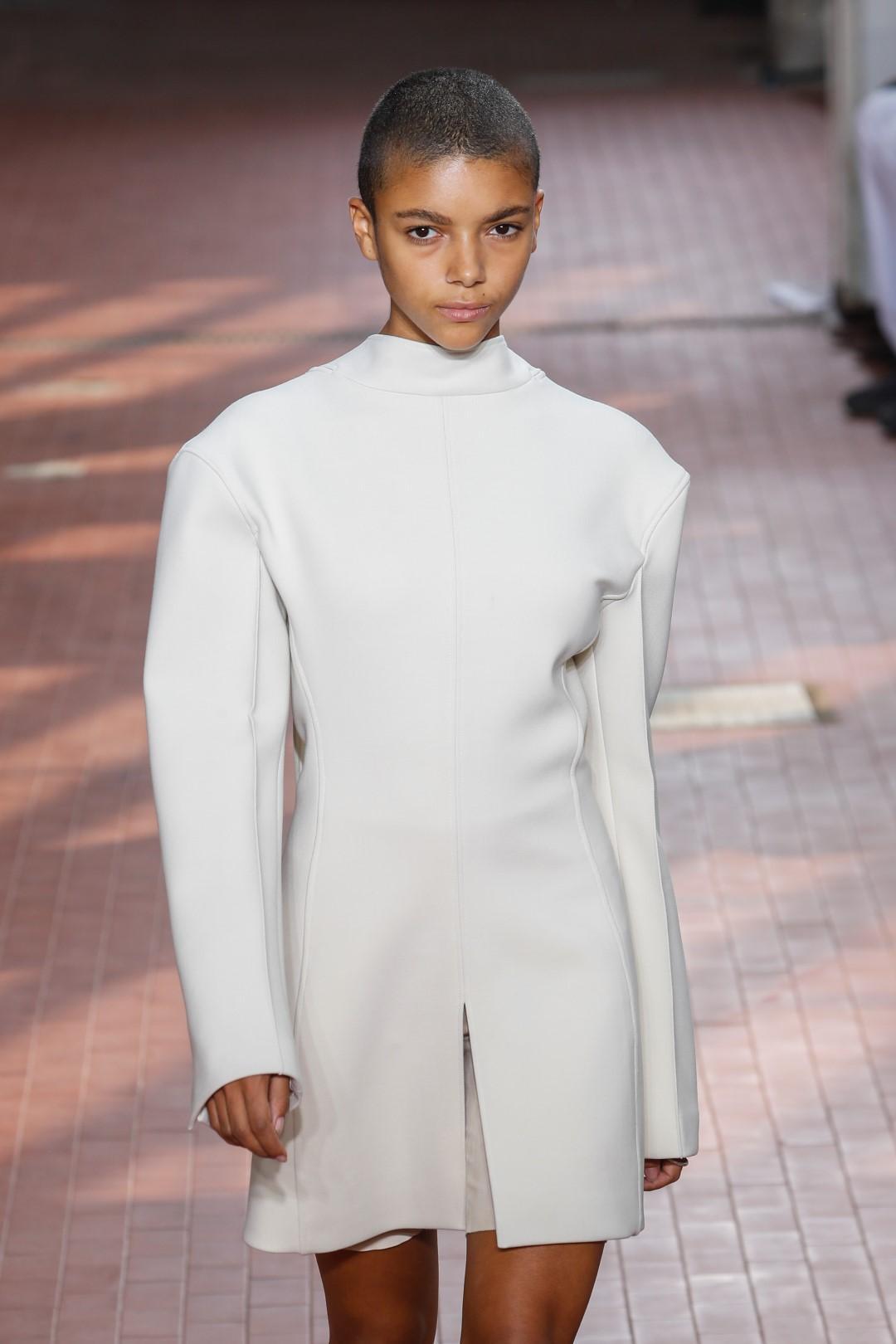 Jil Sander reinterpreta l uniforme