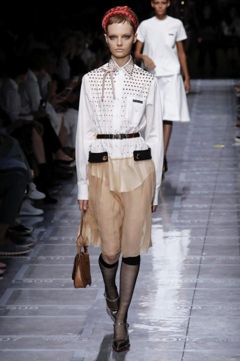 Fashion Week: a Milano sfila la donna Prada